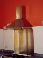 Abzugshaube und Wandschutz aus Kupfer, Spenglerarbeiten von Firma baum in Langenwolschendorf