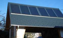 Solaranlage, hier auf einer Garage in Thüringen